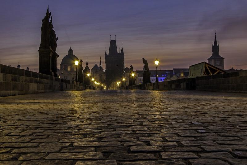 Карлов мост романтика вечером