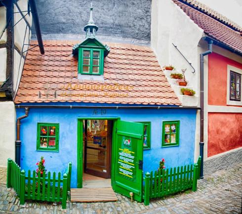 домик пряничный на золотой улице в праге